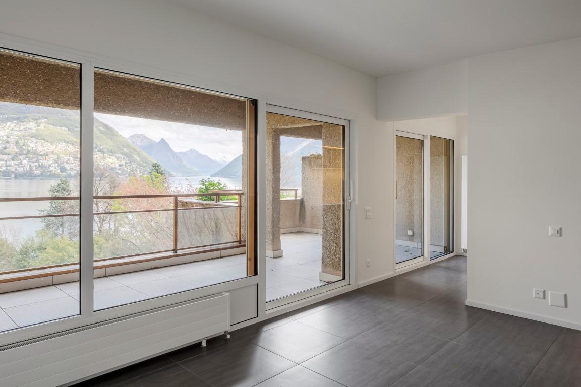Splendido appartamento duplex di 4 1/2 locali con vista sul lago di Lugano